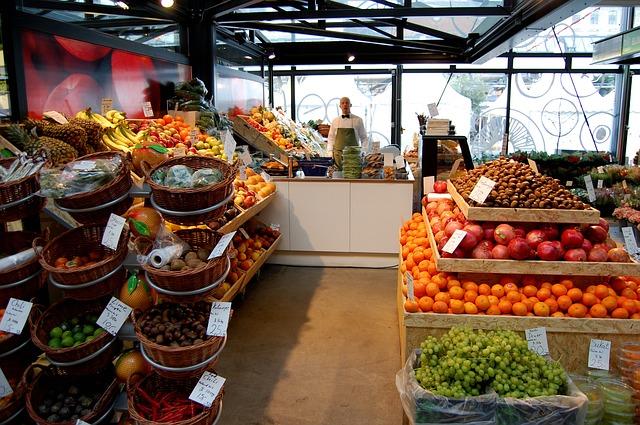 trh s ovocím.jpg